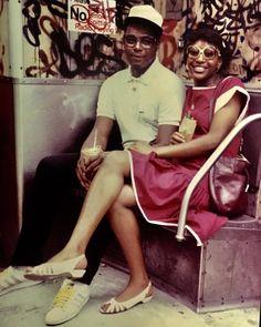 "stereoculturesociety: "" CultureSOUL: Black Couples c. *Hip Hop America* Photos by Jamel Shabazz "" New York Subway, Nyc Subway, Hip Hop Fashion, Look Fashion, 80s Fashion, Oscar Wilde, Jamel Shabazz, Retro, Vintage New York"