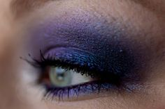 TOO FACED Midnight Mist Eyeshadow and MAC 'Dark Dare' Extra Dimension Eye Shadow www.magi-mania.de...