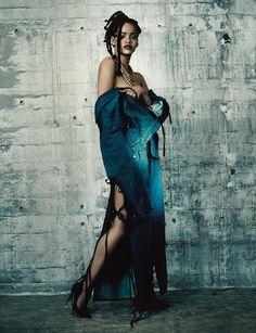 Gemeinsam mit i-D Fashion Director Alastair McKimm und dem legendären Fotograf Paolo Roversi, rockt Bad Girl Riri das Cover unserer Music Issue. Hier findest du schon vorab das ganze Editorial!
