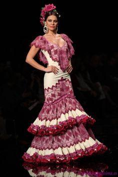 145863491280 Spanish Dress, Spanish Dancer, Spanish Style, Flamenco Costume, Flamenco  Dancers, Flamenco
