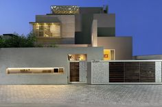 Project Name: Nirat Architects: Usine Studio Location: Gujarat, India All Rights reserved to Photo Owners. DM for Credit or Removal. House Front Gate, House Front Wall Design, House Fence Design, Exterior Wall Design, Front Gate Design, House Outside Design, Door Gate Design, Gate Designs Modern, Modern House Design