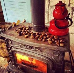 Huzur Coffee Time, Tea Time, Casas Shabby Chic, Fire Pots, Turkish Tea, Stove Fireplace, Tea Cozy, Cafe Bar, Yule