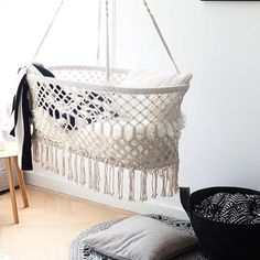 BLACK and WHITE ✔️ the hanging cradle is a must for mommy's to be☺️ #bassinet #hangwieg #nursery #online #handmade #interior #inspo