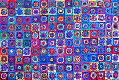 Alpacalicious by Prudence Mapstone - http://www.ravelry.com/patterns/library/alpacalicious---not-your-everyday-granny-square-crochet-blanket
