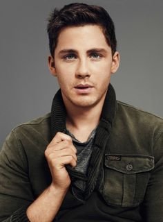 [Logan Wade Lerman (born January is an American actor, known for playing the title role in the fantasy-adventure Percy Jackson films. Albus Severus Potter, Logan Lerman Shirtless, Percy Jackson, Brad Pitt Movies, Best Young Actors, Youtubers, Def Not, Jonathan Rhys Meyers, Mel Gibson