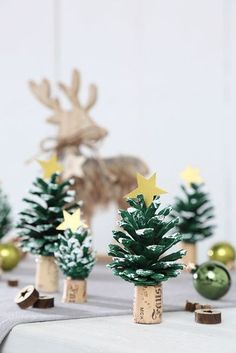 Weihnachtsbasteln: Drei Bastelideen Crafting for Christmas, tinker Advent, crafts with children, Chr Cute Diy Crafts, Kids Crafts, Cork Crafts, Arts And Crafts, Family Crafts, Canvas Crafts, Summer Crafts, Easter Crafts, Simple Crafts