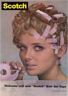 ¿Sabías que antiguamente existía una cinta adhesiva Scotch® para el pelo? ¡Así era como se mantenían esos perfectos peinados ¿La conocías?