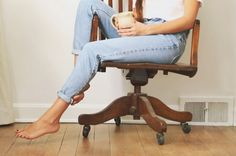 slender rolled jeans + blue toes