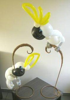 by Patrick van de Ven, BHQ # 66221 Balloon Centerpieces, Balloon Decorations Party, Balloon Ideas, Sculpture Ballon, Bird Sculpture, Balloon Hat, Balloon Animals, Balloon Pictures, Bubble Fun