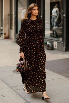 Street Style Twinning Happened On Day 5 of New York Fashion .- Street Style Twinning Happened On Day 5 of New York Fashion Week summer style - Look Street Style, New York Fashion Week Street Style, Spring Street Style, Street Styles, Style Summer, Spring Summer, Modest Fashion, Trendy Fashion, Fashion Dresses
