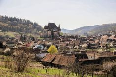 The UNESCO-protected Biertan fortified church lies in the heart of Transylvania, approximately halfway between Sighisoara and Medias. Romania, Monument Valley, Dolores Park, Places To Visit, Europe, Marvel, Outdoor, Outdoors, Outdoor Games