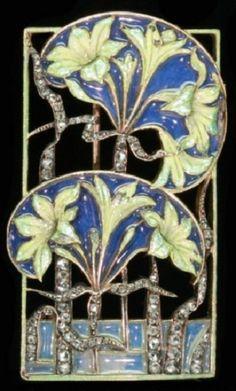 An Art Nouveau gold, diamond and enamel brooch, by René Lalique, circa 1900. Probably converted from a dog collar plaque. #Lalique #ArtNouveau #brooch