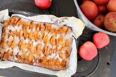 Saftig äpplekaka i långpanna
