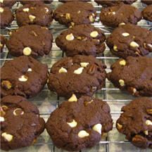 Cake-Mix Quick Cookies - 'Homemade' cookies have never been easier! With a little adult supervision, even young chefs can whip up a batch of yummy hot-out-of-the-oven cookies with this simple recipe. Just think of the possibilities with so many cake mix flavors available!