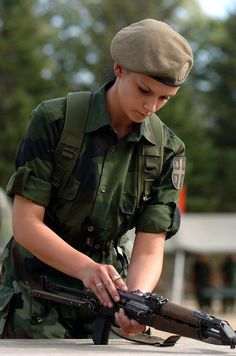Serbian Female Soldier image - Females In Uniform (Lovers Group) Pinup, Military Pictures, Warrior Girl, Warrior Women, Military Women, Idf Women, Female Soldier, Police, Girl Photos