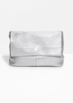 e20c3c86301f FRICHIC - In My Shopping Bag  June Start Silver Clutch