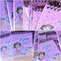 Mini Bloquinhos anotações 10,5cm x 8cm (20 folhas) Dora Aventureira ou no tema de sua escolha. <br> <br>Capa papel fotográfico 230g. <br> <br>Itens opcionais: <br>Lápis personalizado, Caneta personalizada, etc <br> <br>Mini Bloquinho (40 folhas): R$ 3,50 <br> <br>---------------------------------- <br>Prazo de produção: 10 até 20 dias. <br>-Prazo pode variar dependendo da demanda.