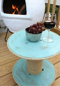 Outdoor Shabby Chic Spool Table – Backyard Firepit Fun