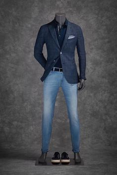 Casual outfit presenting through mannequin. Casual outfit presenting through mannequin. Casual outfit presenting through mannequin. Mens Fashion Blazer, Suit Fashion, Fashion Outfits, Mode Man, Herren Outfit, Mode Masculine, Fashion Mode, Gentleman Style, Mens Clothing Styles
