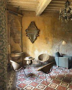 Rustic Italian Home Italian Interior Design, Interior And Exterior, Rustic Design, Rustic Decor, Rustic Italian Decor, Italian Home Decor, Modern Design, Deco Addict, Rustic Furniture