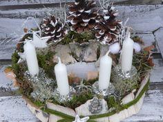 Adventskranz - Adventskranz Naturkranz Waldweihnacht - ein Designerstück von LeRoe bei DaWanda