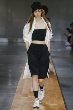 Y-3 Spring 2018 Menswear Collection Photos - Vogue