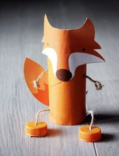 Toilet Paper Roll Crafts - Get creative! These toilet paper roll crafts are a great way to reuse these often forgotten paper products. You can use toilet paper rolls for anything! creative DIY toilet paper roll crafts are fun and easy to make. Toilet Roll Craft, Toilet Paper Roll Crafts, Fox Crafts, Animal Crafts, Creative Crafts, Diy Crafts For Kids, Kids Diy, Diy Toys, Craft Projects
