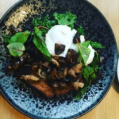 A variety of smoked mushrooms, kale, poached eggs and rhi bread with garlic butter @goodnessgraciousbne #tasty #foodie #foodies #foodpics #foodporn #foodnetwork #foodstagram #brunch #cafe #gracevillecafe #discoverbrisbane #bne #eggs #mushrooms #kale @discoverqueensland @discoverbrisbane