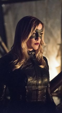 Arrow 4x01 - Green Arrow - Laurel Lance / Black Canary