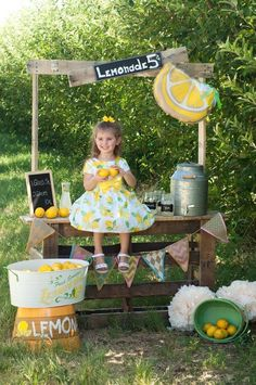 Lemonade stand photo shoot