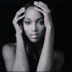 Tyra Banks love her calm expression and clever use of soft hands here