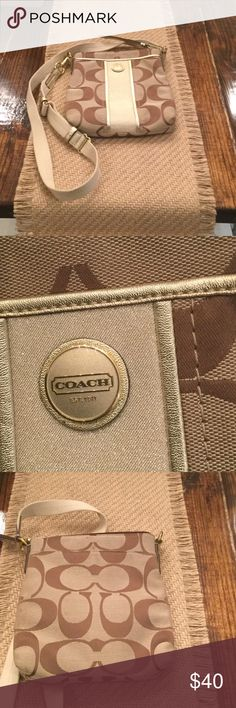 Coach Crossbody Coach Crossbody on great condition.  Perfect for that Pre -Teen's first Coach bag. Coach Bags Crossbody Bags