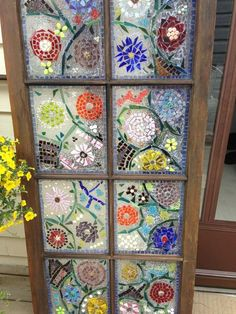 to Make Garden Art With Old Windows - Snapguide /only look if you can handle the country music playing in the background!How to Make Garden Art With Old Windows - Snapguide /only look if you can handle the country music playing in the background! Mosaic Art, Mosaic Glass, Glass Art, Stained Glass, Mosaic Garden Art, Sea Glass, Glass Garden Art, Wine Glass, Mosaic Projects