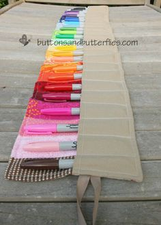 Buttons and Butterflies: Sharpie Marker Roll Up Pockets! Love this!! Wish I had time, material and talent to make it :)