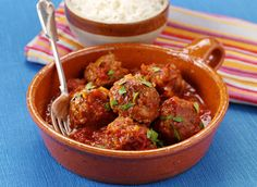 Going to a tapas night and these meatballs would be great to bring Gino D'acampo Recipes, Dutch Recipes, Mexican Food Recipes, Italian Recipes, Cooking Recipes, Savoury Recipes, Italian Dishes, Mexican Meatballs, Spanish Meatballs