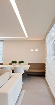 When floor space real estate is slim, consider built in seating. Clever yet simple detail of a wall mount bench for a cosy yet casual dining area. Light Architecture, Interior Architecture, Interior And Exterior, Interior Design, Linear Lighting, Modern Lighting, Lighting Design, Lounge Lighting, Coin Banquette