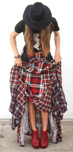 Red herring born and tartan plaid wool /flannel bouncy skirt Self fabric elastic waist band Dark blue denim two patch pockets Partially lined 46 in from wa Diy Maxi Skirt, Maxi Skirt Outfits, Shirt Skirt, Fashion Mode, Diy Fashion, Fashion Tips, Fashion Trends, Fashion Ideas, Plaid Fashion