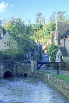 Castle Combe, a small village in Wiltshire, England, with a population of about It is renowned for its attractiveness and tranquillity, and for fine buildings including the medieval church. England Ireland, England And Scotland, Wales, Oh The Places You'll Go, Places To Visit, Castle Combe, English Village, English Countryside, Travel Pictures