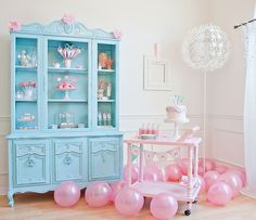 I want to make the cart in this pic... i have a great table that could make this work but not in pink :)