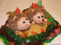 Najlepší jablčník s kokosovou penou - Báječné recepty Hedgehog Cookies, Hedgehog Cake, Biscuit, Amazing Cakes, Cake Pops, Cupcakes, Homemade, Christmas Ornaments, Holiday Decor