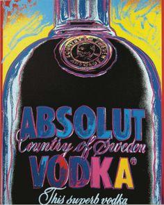 (C)1985 The Andy Warhol Foundation for the Visual Arts. Used by The Absolut Company AB under exclusive license 広告とアートの結婚といえば、スウェーデンのアブソルート・ウオッカの広告だ。79年、創業100周年を機に米国を中心に世界市場に拡販開始。ボトルデザインも変更、商品名もシンプルにAbsolut Vodkaに。新ロゴのため力強いフォントも開発、時の有名アーティストを次々に起用してブランドの世界観を構築。世界中で愛されるシリーズ広告として大成功。その後のブランディング戦略立案の好事例となる。参加アーティストはここに掲げた作品のアンディ・ウォーホルのほか、キース・へリングなど総勢300人を超え、この広告スタイルをアブソルート・アート、起用されたアーティストはアブソルート・アーティストと愛称で呼ばれた。日本人初のアブソルート・アーティストは92年の横尾忠則。93年にナイキ、コカ・コーラと並び米国マーケティング協会の栄誉ある殿堂入りブランドのひとつにもなっている。…