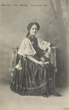 Pavol Socháň - Dievča zo Zvolenskej Slatiny Folk Costume, Costumes, Folk Embroidery, Pagan, Old Photos, Character Design, Culture, History, Painting