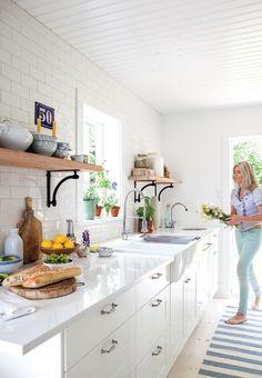 Une cuisine champêtre moderne réussie