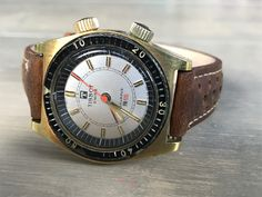 Old Watches, Vintage Watches, Watch Room, Original Vintage, Retro, Omega Watch, Accessories, Clocks, Classic