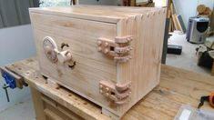 Steven Zhang's combination lock safe Woodworking Projects Diy, Woodworking Plans, Wooden Hinges, Diy Furniture, Furniture Design, Wooden Box Designs, Bois Diy, Wood Storage Box, Small Wood Projects