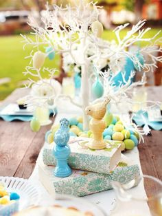 Simple-n-inviting color scheme and theme for a tablescape.