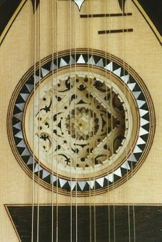 Reproduction of 6 course Genoese mandolin, by luthier Matthias Wagner.