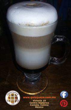 """¿Qué tal un """"Capuchino 5""""? Con licor de café y claro, nuestro propio café La FLOR de Suchitlán. Lo pueden disfrutar frío o caliente en QuisQueya eco-arte-café, a partir de hoy jueves a las 9 pm porque ya estamos de regreso del breve paréntesis. ¡Nos encanta!"""