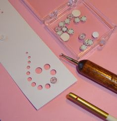 Small Packages: Making plates, excellent detailed tutorial on making quarter scale plates from photo paper