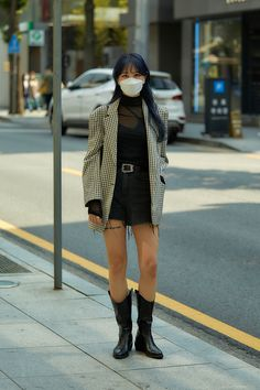 Asian Street Style, Japanese Street Fashion, Cool Street Fashion, Street Style Women, Japan Fashion, Fashion 2020, Fashion Women, Women's Fashion, Alternative Outfits